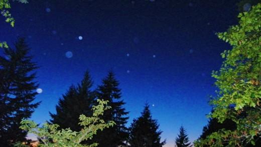 Orbs light up the western sky above Oregon Orb House