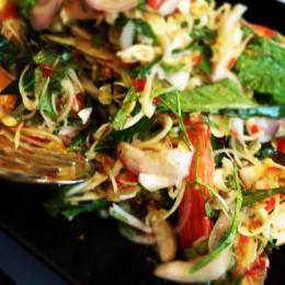 Lemongrass prawn salad