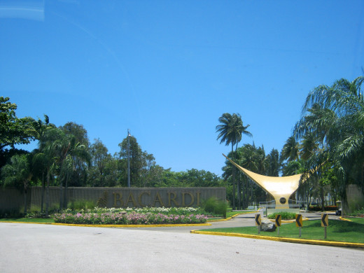 "Park ""La Esperanza"" next to the facilities of the Bacardi"