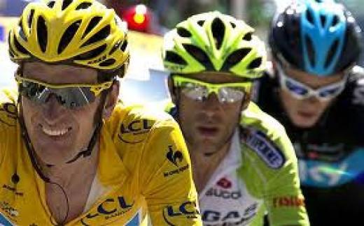 Bradley Wiggins in the yellow jersey