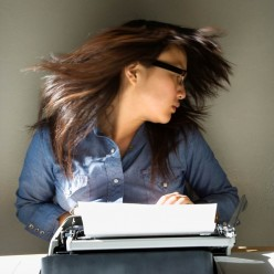 Top 5 Best Scholarships for English/Creative Writing Major