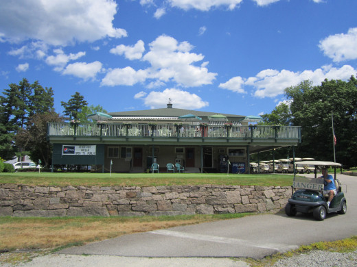 North Conway Country Clubhouse.