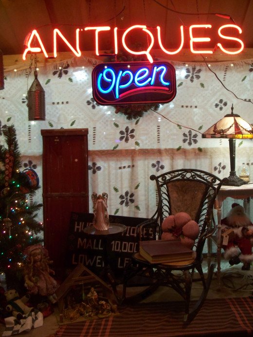 Antique and Collectable booth set up in a consignment store
