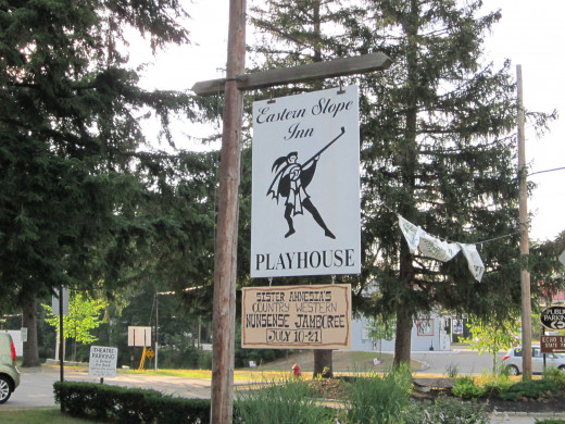 See a Play at the Eastern Slope Inn Playhouse which is located right on the property!