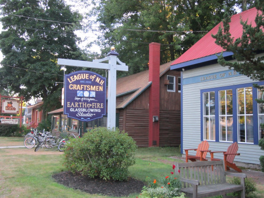 There are over 100 Shops within a 2 mile radius of the Eastern Slope Inn Resort in North Conway Village, NH!