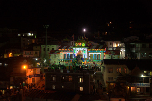 The simple yet beautiful Badri temple at night...