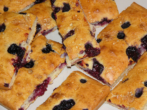 Click for the recipe for these blueberry pancake bars.