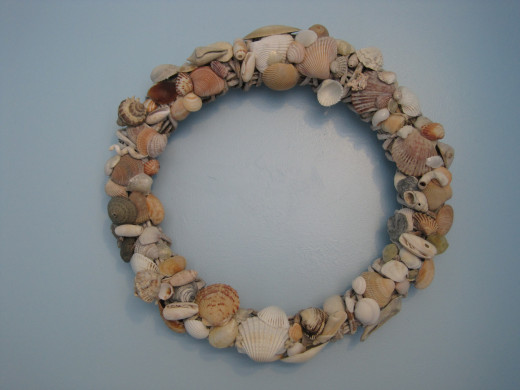 White Vine Shell Wreath