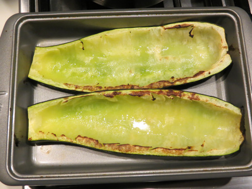 How zucchini lookes after being broiled at 475 degrees for 15 minutes.