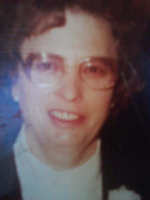 My mother in the photo died from cancer (1998)