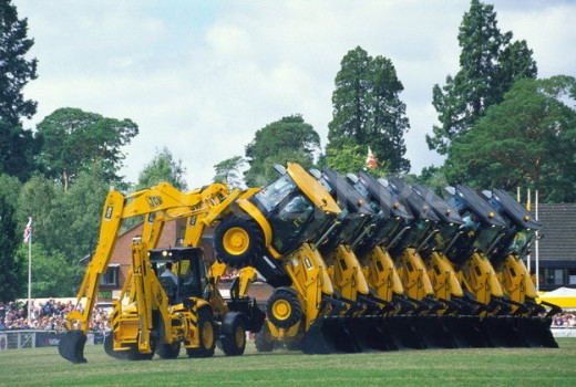 The dancing diggers also at the main ring, perform great displays and everytime they come back they give you something different!