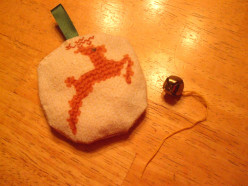 How to Make Christmas Fabric Ornaments