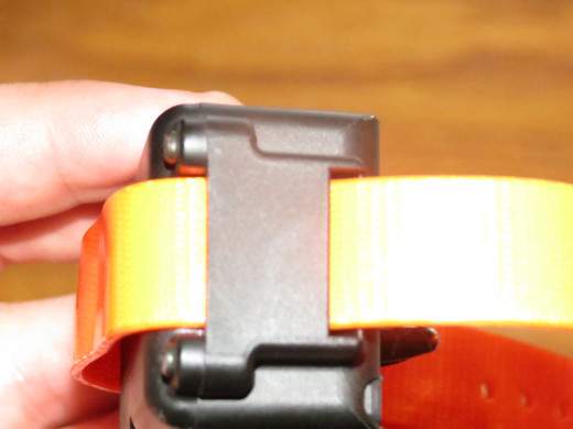 The collar is attached through the outer clips and can be removed without the use of tools.