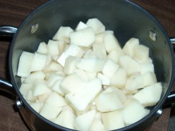 How To Make Delicious Potato Salad Quickly and Inexpensively