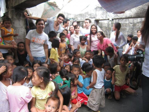 CS 4th Outreach Feeding in Baseco