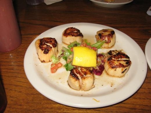 We love the seafood restaurants on Amelia Island!