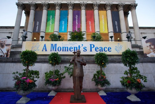 Sri Chinmoy's Statue