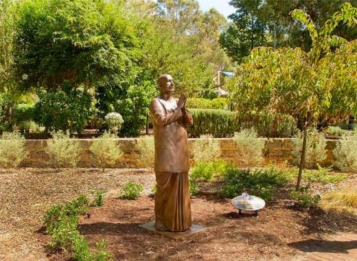 Sri Chinmoy's Statue, Perth