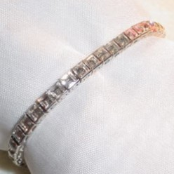 How to Buy the Perfect Tennis Bracelet