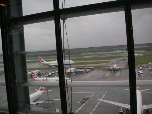 Views of the runways from the Gallery lounge