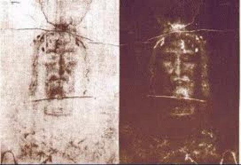The Shroud of Turin was believed to show the face of Jesus on it. It was a major religious discovery that caused a lot of controversy.