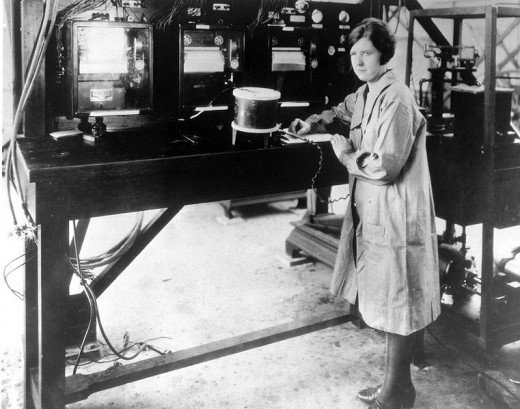 Pearl I. Young, Aeronautical Physicist for Federal Government 1922.