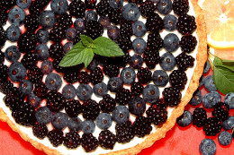 Finished berry tart.