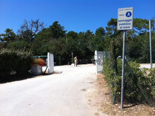 Beach Club with Public Footpath access - see that sign!