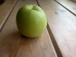 E7 Apple