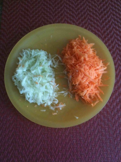 Shredded cucumber, shredded carrots