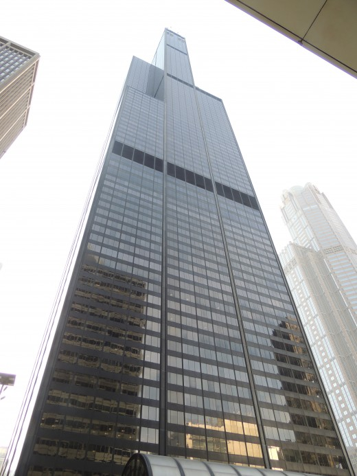 Willis Tower from street level