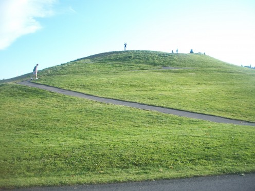 Man-made grassy kite hill at Gas Works Park