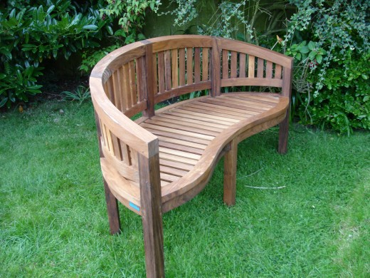 A nice oiled bench - is it worth a dog's life?