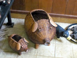 See handicrafts made from plants