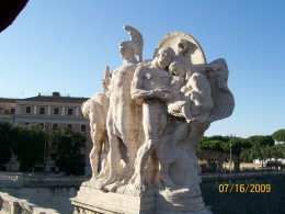 A beautiful statue on the Ponte Vittorio Emanuele Bridge