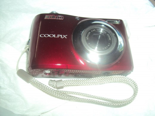 The Nikon Coolpix comes in many colors - Red, Purple and many other colors to help reinforce the idea that it's a practical gadget to use everyday.