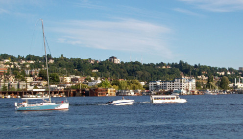Sailboat, Speedboat and The Ducks Tour on Lake Union