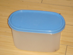 Selling Tupperware