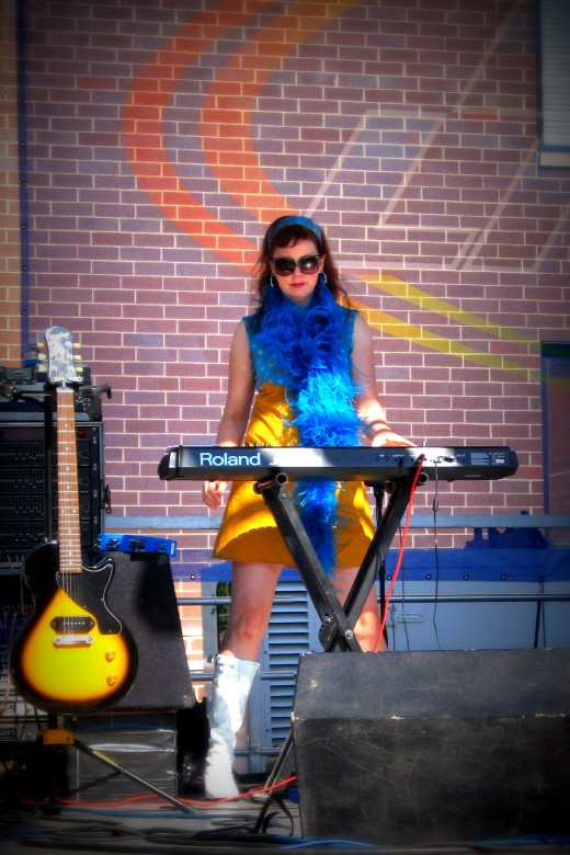 Alison Hinderliter on keyboard!