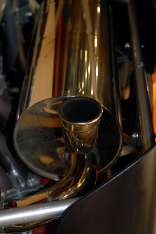 This details of the exhaust is very reflective and that makes it more colourful.