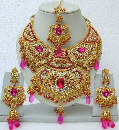 Pink and Off White Stone Studed Necklace Set