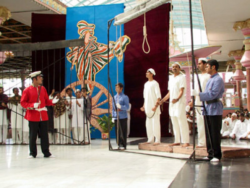 The much 'debated' scene featuring Bhagat Singh and the noose.
