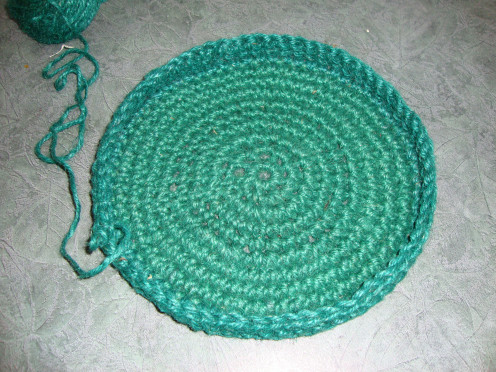 Crochet Stitches Basket : How to Crochet a Round Basket From Gardening Twine