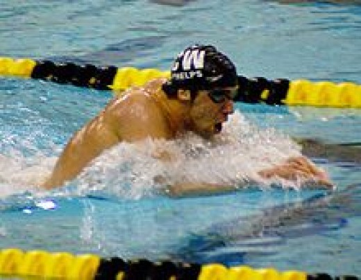 Michael Phelps doing the breast stroke.