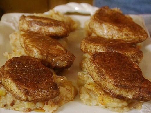 Cinnamon Applesauce Pork-chops