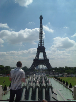 How to See Paris in a Day: Research, Prepare; Eiffel Tower, Arc de Triomphe, Notre Dame; Batobus, Check-List, Itinerary