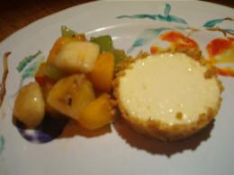 Cheesecake Tarts with fruit salsa