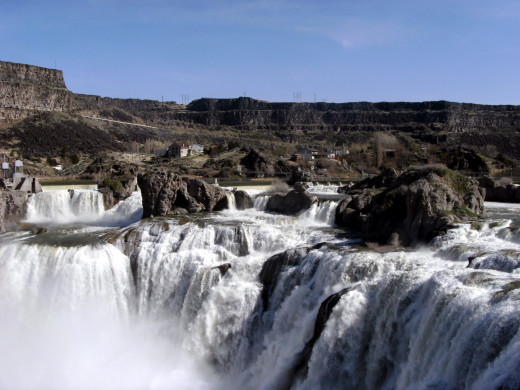Shoshone Falls is a great place to picnic on a trip through southern Idaho
