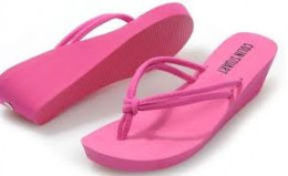 PINK FLIP-FLOPS WITH WEDGE