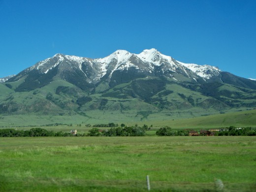 Driving between Bozeman and the North Entrance to Yellowstone